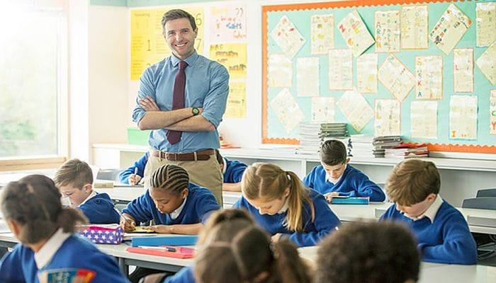 find a job as an English teacher in Dubai